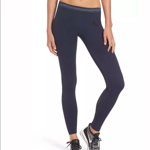 8f6a58c58fa21 NIKE NikeLab Essential Training Tights Leggings. M_5aa9838100450fb140382e71
